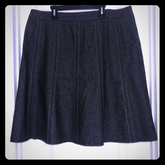 Ladies size 16 Fully Lined Skirt By Wardrobe